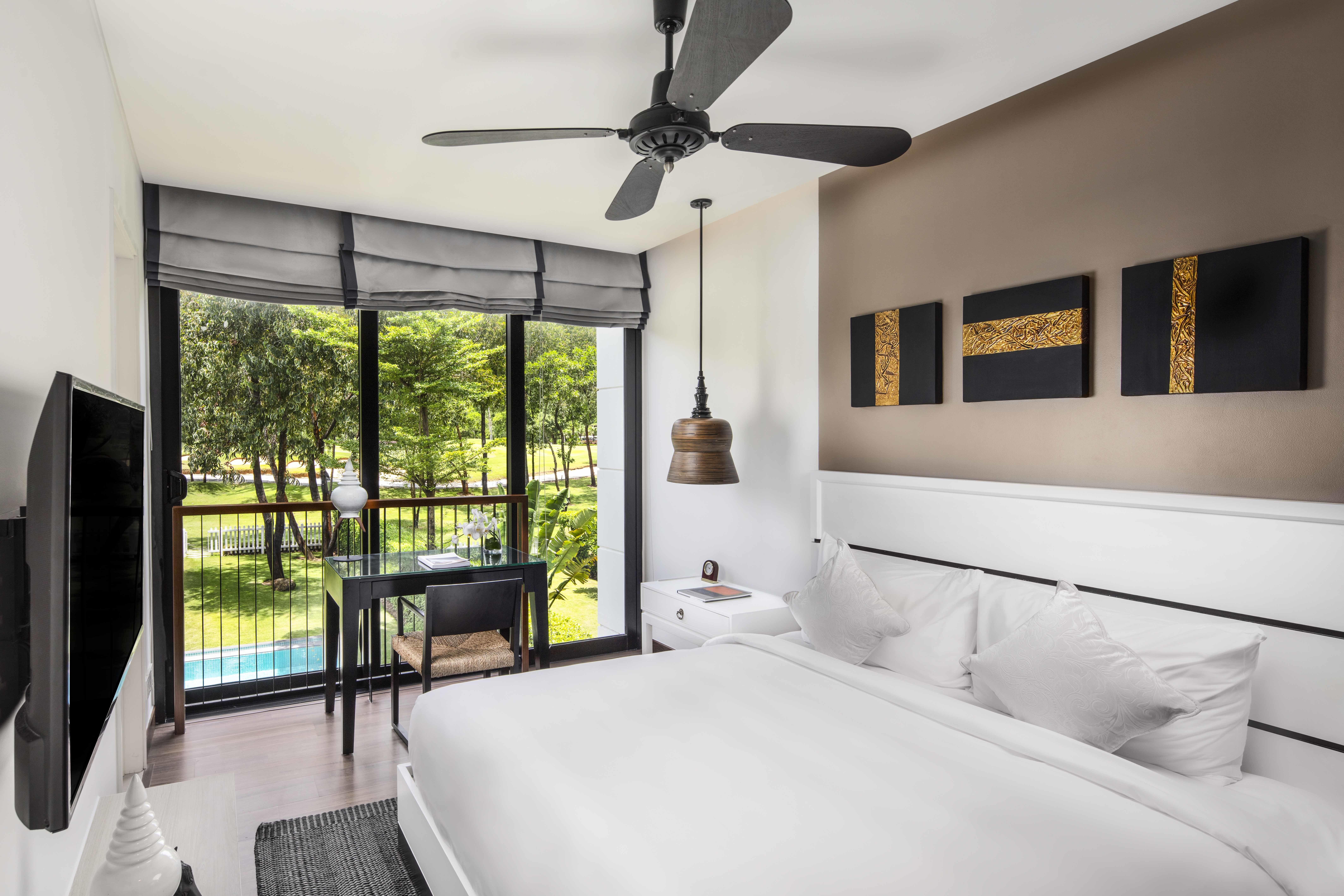 Three-bedroom Pool Towhouse