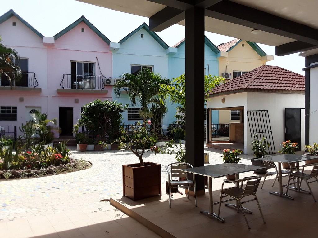 Lobby/ Exterior 2 Bedroom Apartments