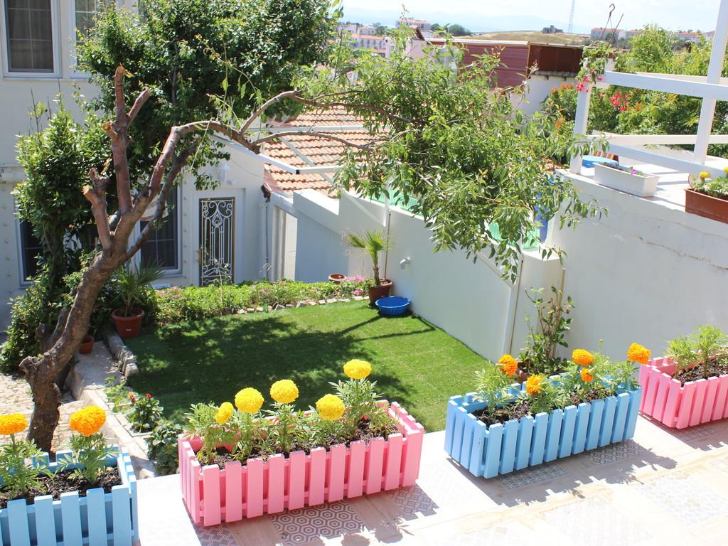 Arka Bahçemiz