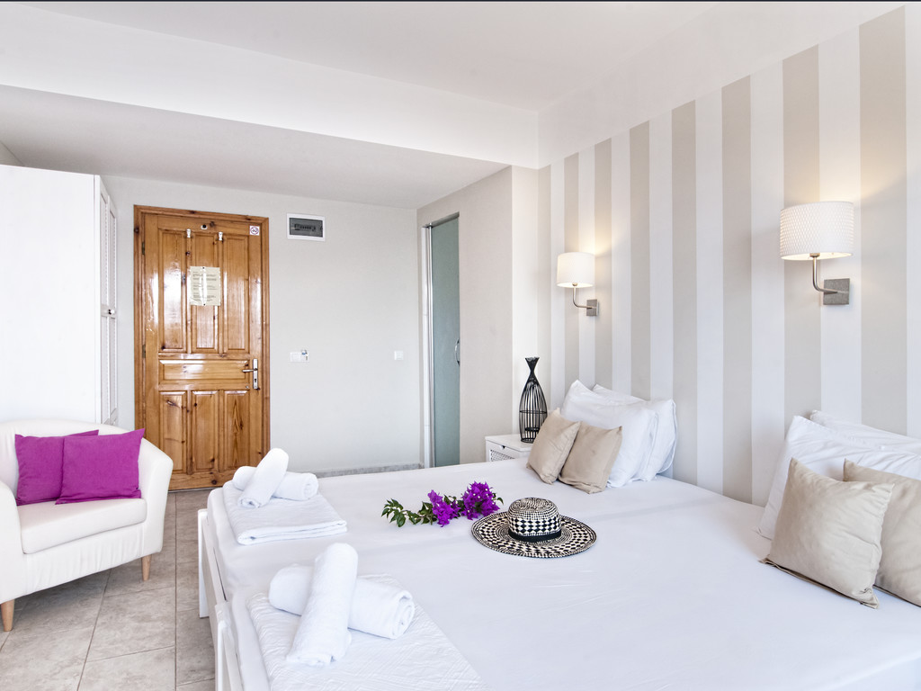 Twin Comfort Room with Sea View and Balcony