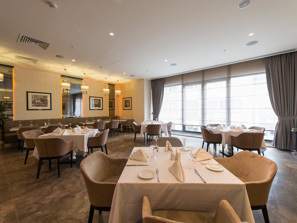 Larimar Restaurant