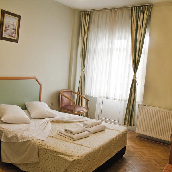 Double Room (Kara Tarafı)