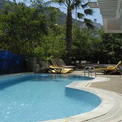 Pardis Hotel