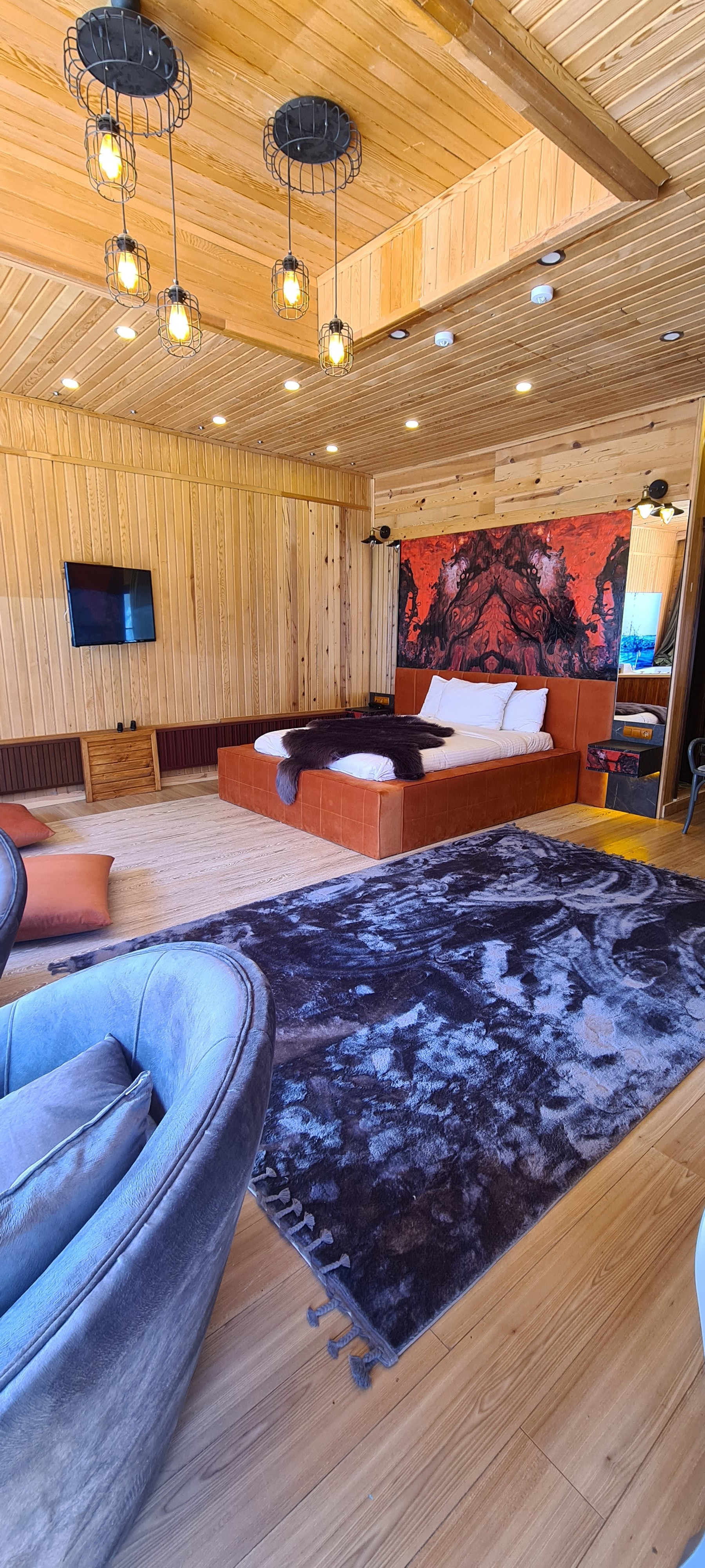 Chalet Suite Jakuzzi-Cinema Projector -Fireplace-Air Conditon-Balcony