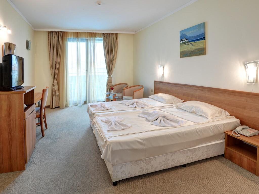 Двойна стая с Морски Изглед и Спалня