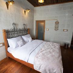 Deluxe Room 107